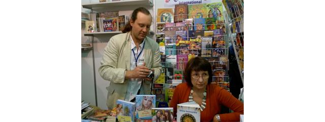 ТОП-продажів авторів на стенді «Коронація слова» (Форум видавців 2013)