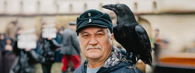 Вітаємо лауреата Коронації слова, Золотого письменника України Василя Шкляра із завершенням зйомок фільму «Чорний ворон»